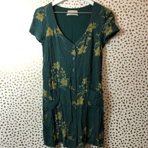URBAN OUTFITTERS green floral print dress Sz SM